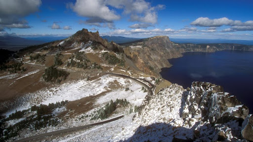 Crater Lake View Point, Oregon.jpg