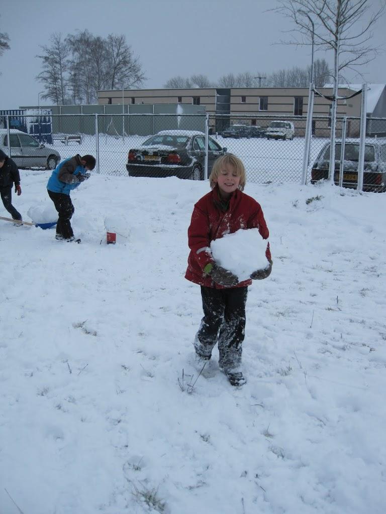 Welpen - Sneeuwpret en kerstbal maken - IMG_2703.JPG