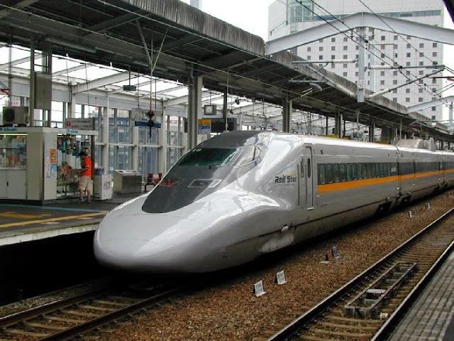 Tàu hỏa 700 Hikari Railstar trong thực tế