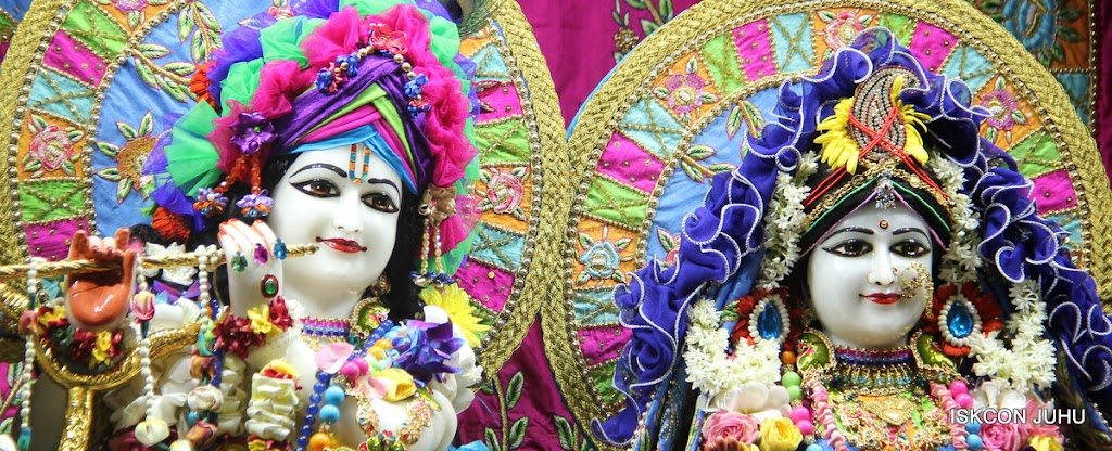 ISKCON Juhu Sringar Deity Darshan on 29th April 2016 (58)