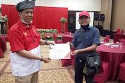Ketum APPI Terima Penghargaan Pelantikan PWRI Riau