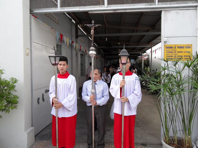 Hình ảnh thánh lễ và ban phép thêm sức tại Giáo xứ Hòa Thuận