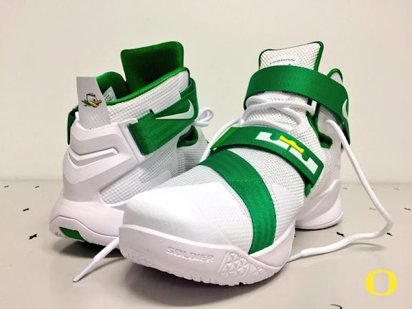 Oregon Ducks LeBron Soldier IX Home and Yellow Alternate PEs