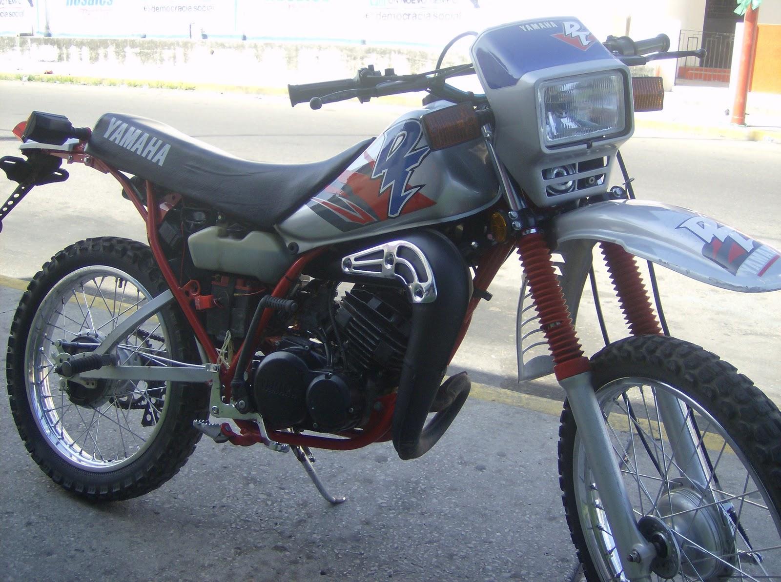 Dise os de calcomanias mis motos yamaha dt 125 y 175 for Disenos de motos