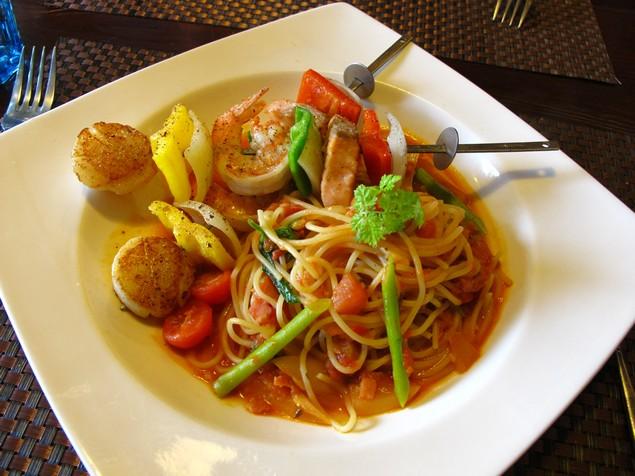 夠義式創意料理-地中海海鮮串義大利麵