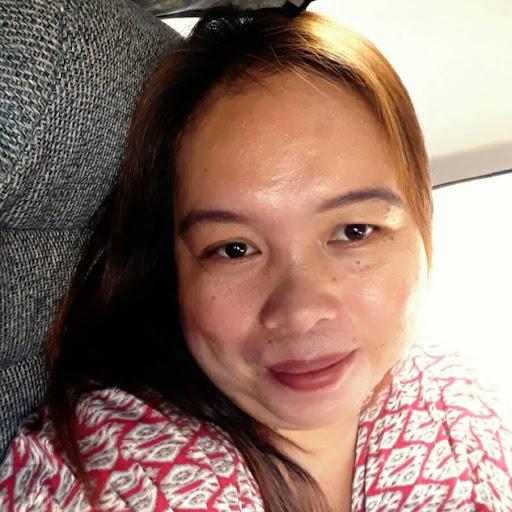 user April Balmaceda apkdeer profile image