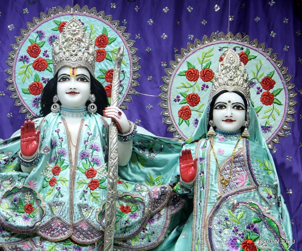 ISKCON Juhu Mangal Deity Darshan on 24th June 2016 (15)