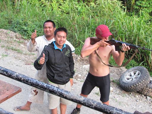 Папуасы с оружием