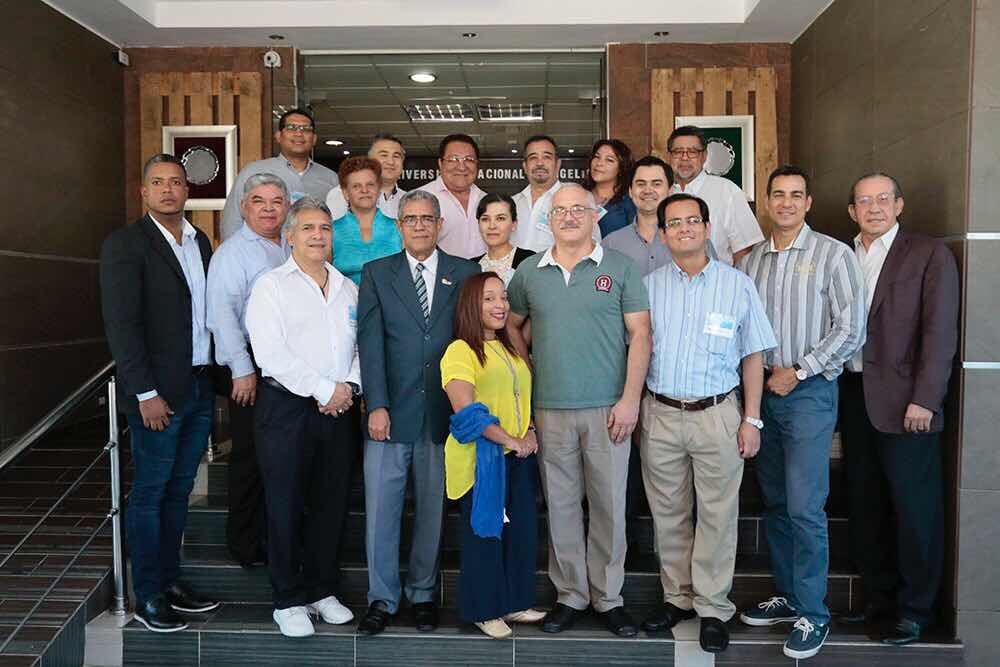 UNEV, 3Med y SOLCEMA gradúan al primer grupo de médicos del Diplomado Universitario en Medicina Regenerativa y Terapia Celular