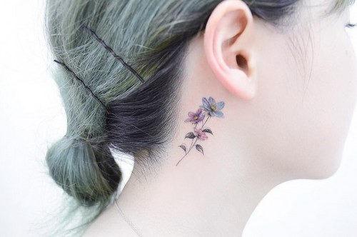 este_requintado_pouco_de_flor_de_tatuagem
