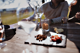easy ways to save money dining out