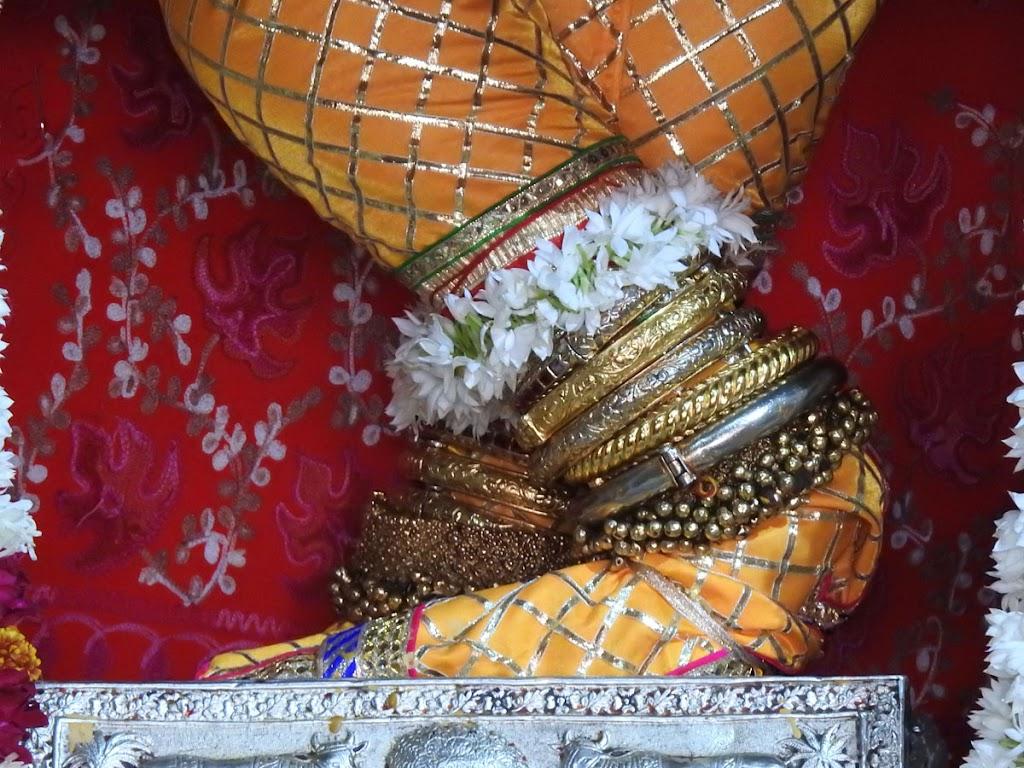 Radha Govind Devji Deity Darshan 05 Jan 2017 (7)