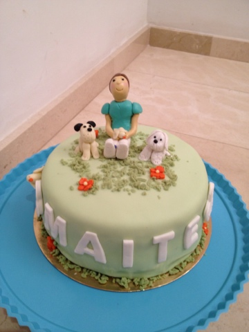 tarta modelado chica y perritos fondant sugar dreams Gandia Maite