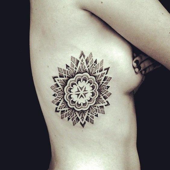 mandala_side_boob_tatuagem