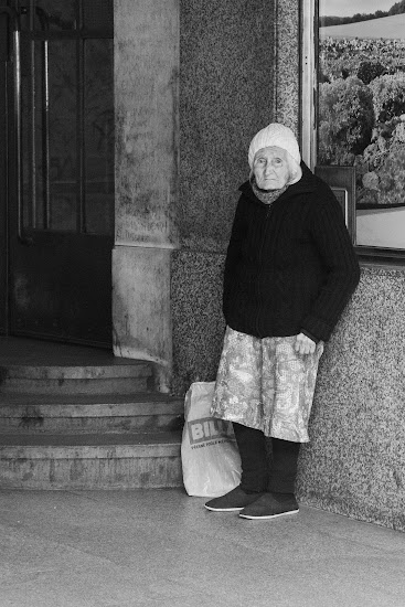 Old woman, Prague