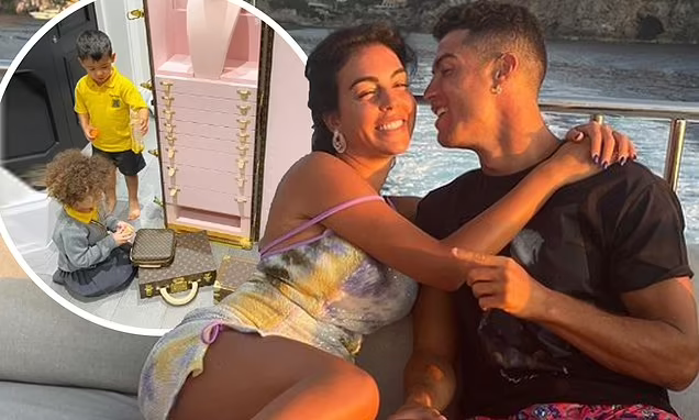 Georgina Rodriguez Reveals Her Boyfriend Cristiano Ronaldo Gifted Her With A £150,000 Jewellery Trunk