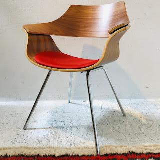 KI Itoki DP Curved Wood Guest Chair