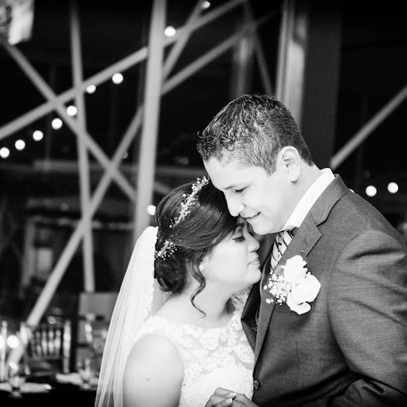 Wedding photographer Alexander Bonilla (lexdjelectronic). Photo of 02.12.2017