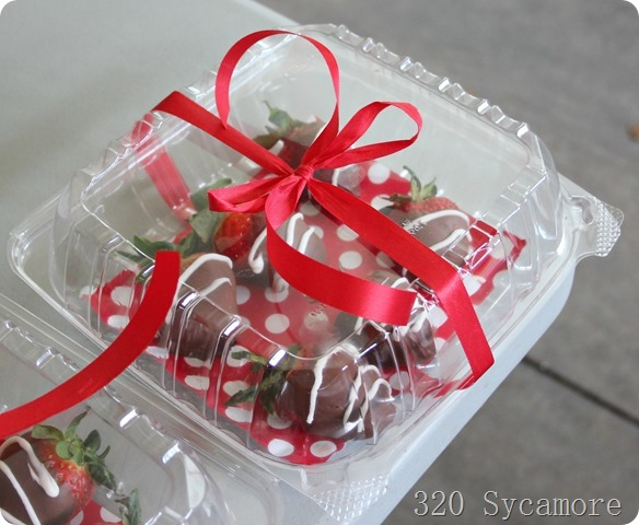 packaged chocolate covered strawberries