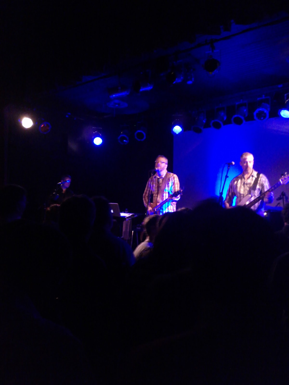 Cracker and Camper Van Beethoven - Fitzgeralds - IMG_20110519_211140.jpg
