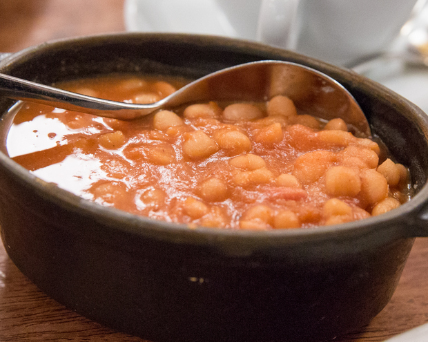 photo of a dish a baked beans