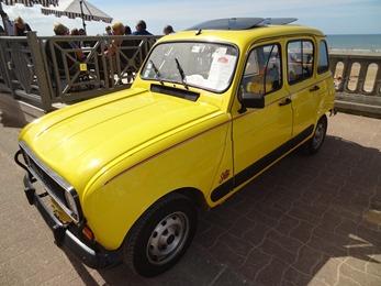 201706.04-033 Renault 4L jaune