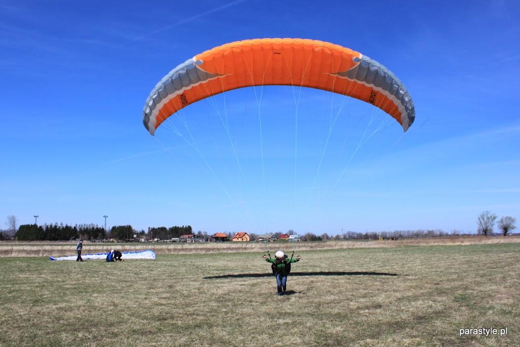 Szkolenia paralotniowe Luty-Kwiecień 2012 - IMG_1692.JPG