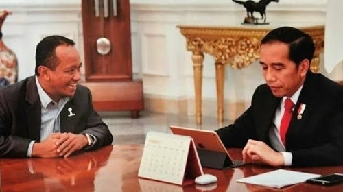 Presiden Jokowi memutuskan untuk menutup keran investasi minuman miras setelah menuai polemik.