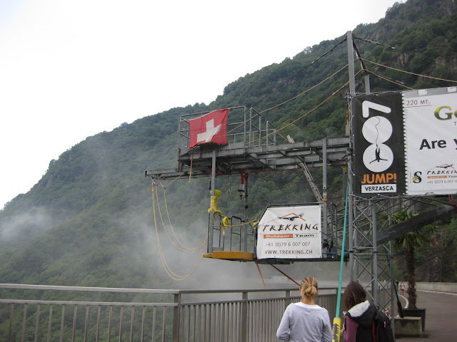 James Bond bungy, Verzasca Valley, Switzerland