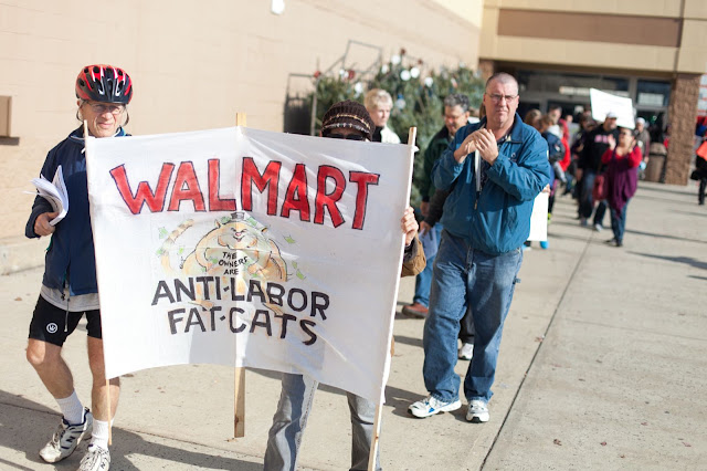 NL- WM action Black Friday (hi res fotos gracias Steve Mcfarland, cpd) - 1123Walmart_2718.jpg