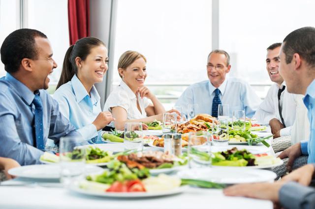 Bối cảnh cũng ảnh hưởng đến hoạt động ăn uống