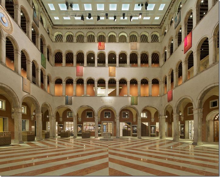 TFondacoDeiTedeschi_Courtyard