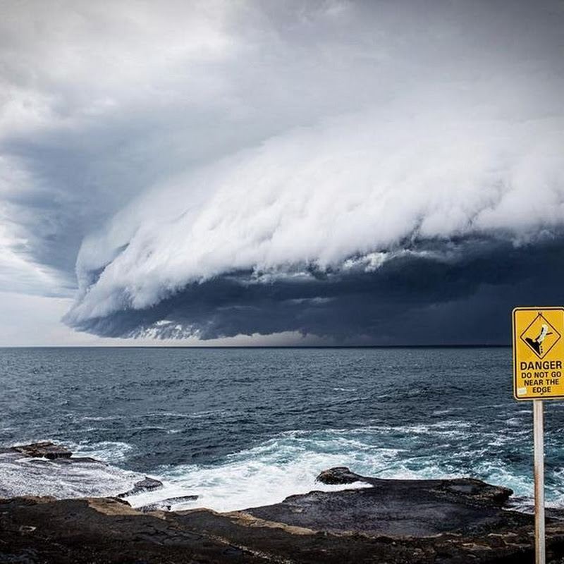 A Tsunami of Shelf Cloud Over Sydney