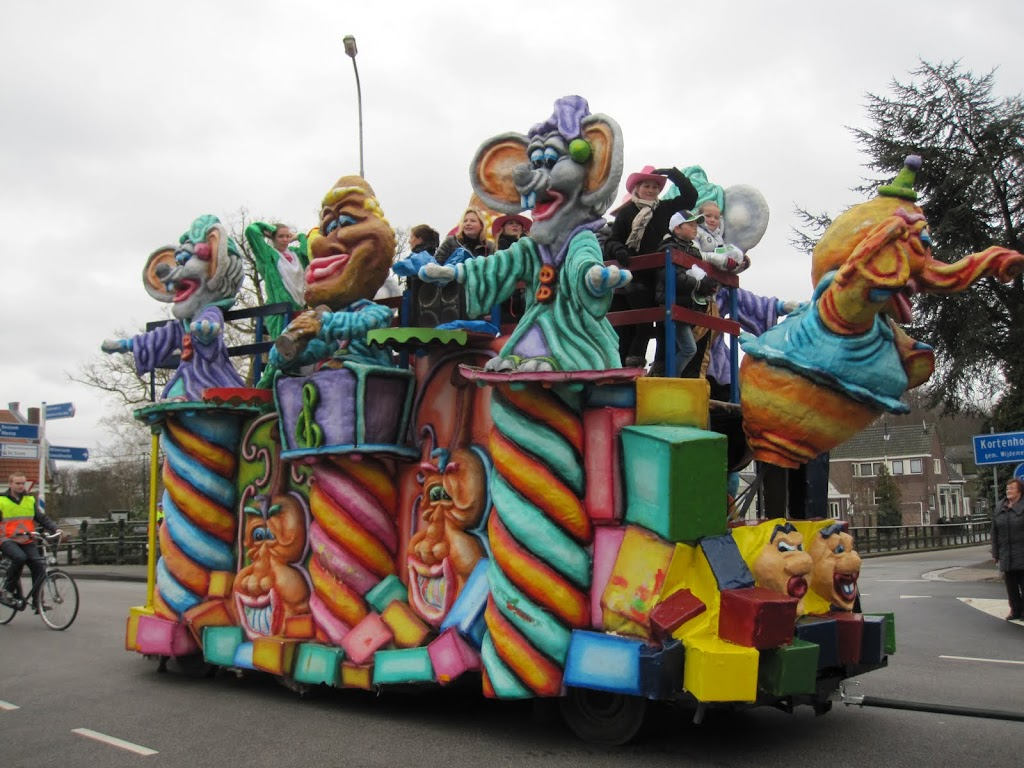 Welpen - Knutselen carnaval - IMG_5409.JPG