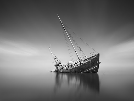 shipwreck_by_latyrx-d63swtx-2013-05-3-09-20.jpg