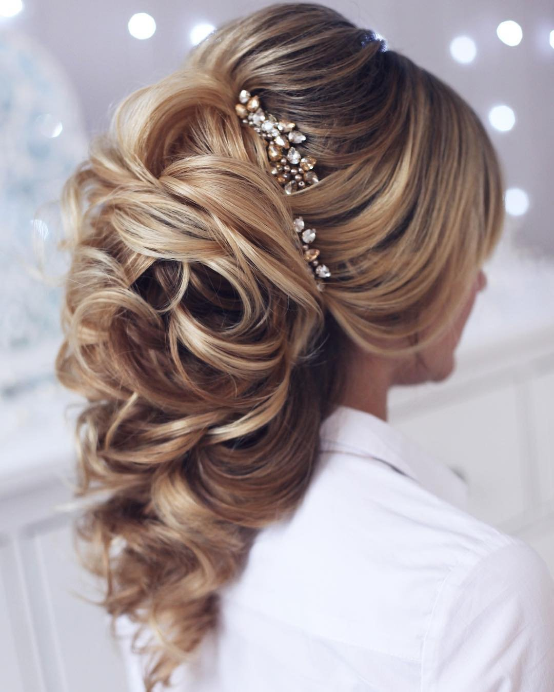 The Latest Trends Hair Accessories for Brides