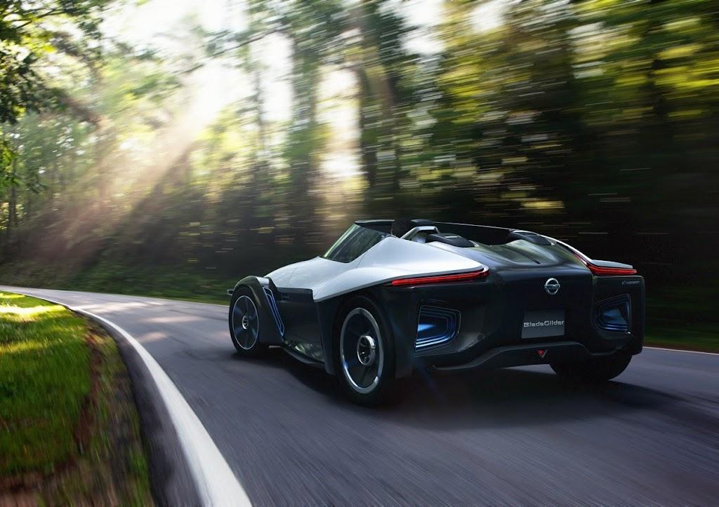 Nissan Bladeglider Concept 14
