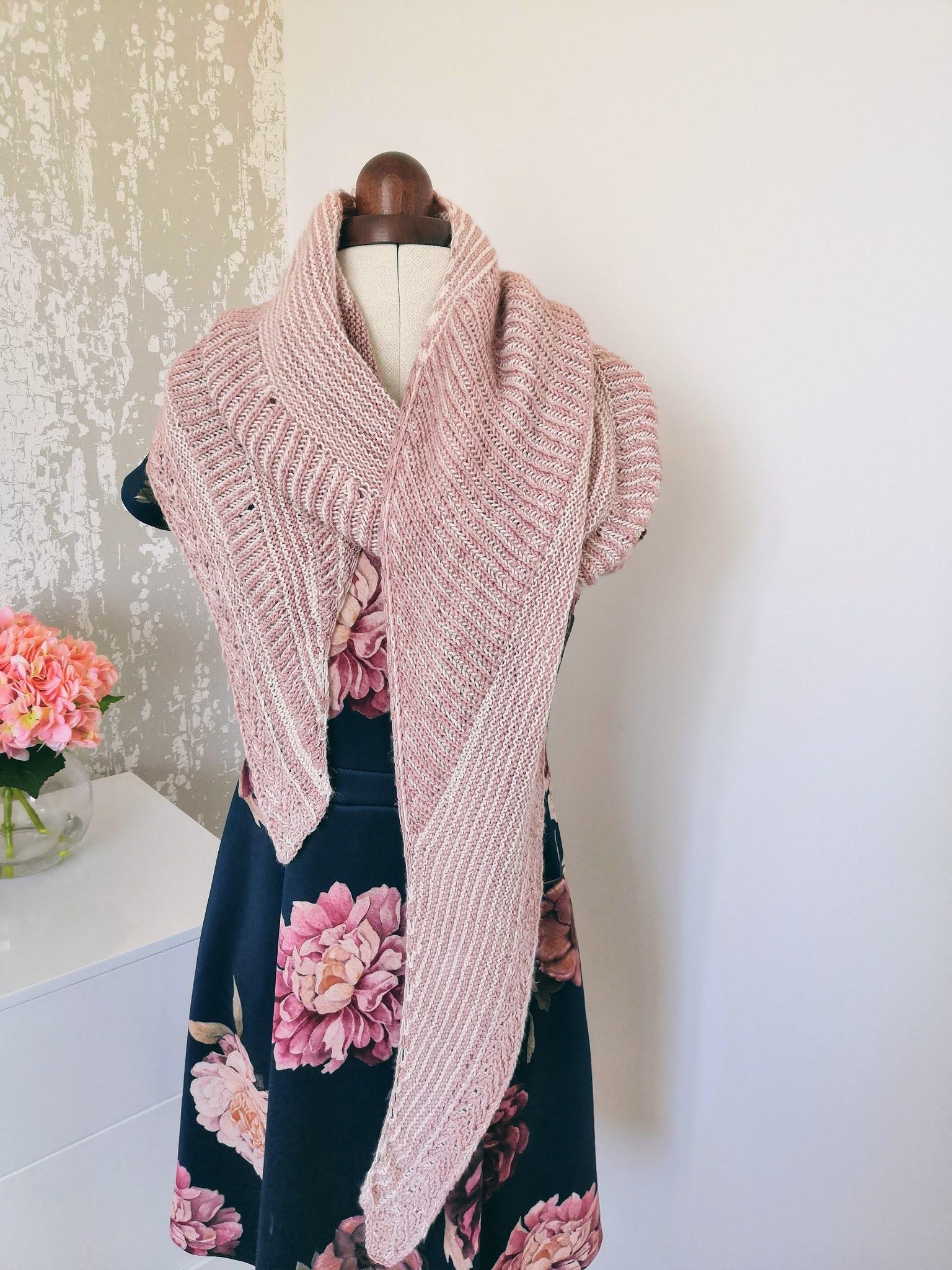 Andrea Mowry Raina Shawl pattern review