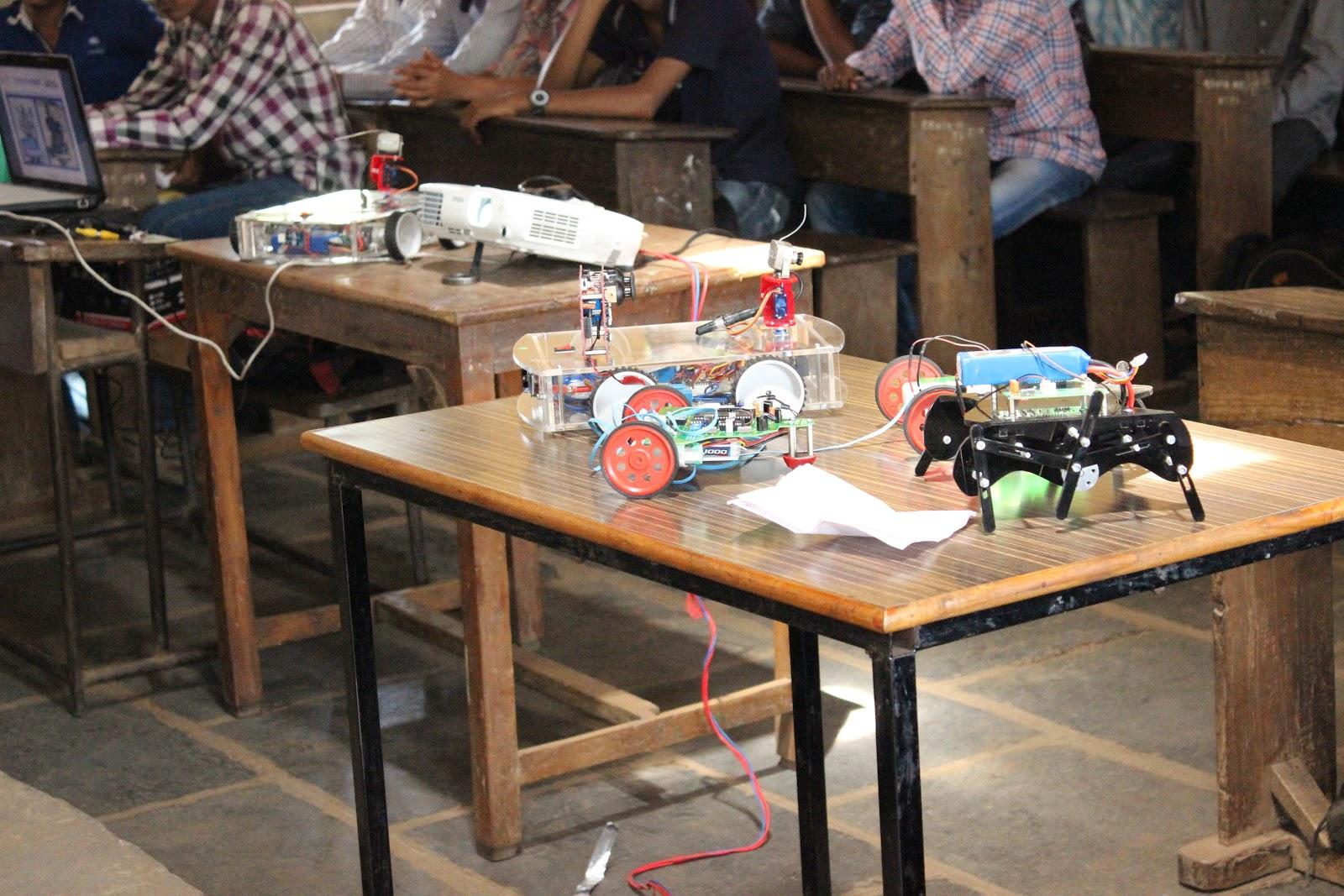 RoboTech Kolhapur Robolab (7).jpg
