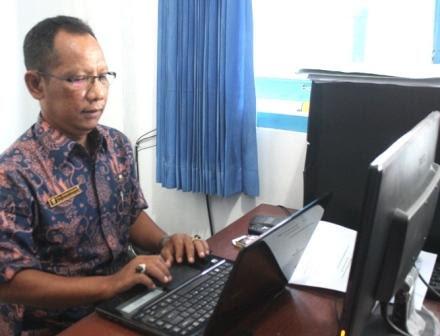 berita foto video sinar ngawi terkini: Pria di Ngawi mulai mennat untuk melakukan vasektomi