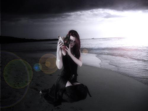 Gothic Romance Beach, Gothic Girls