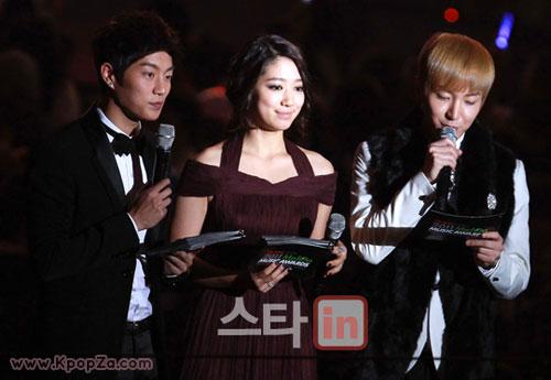 มาแล้ว คลิปงานคนดนตรีแห่งปีของเกาหลี '2011 Melon Music Awards'
