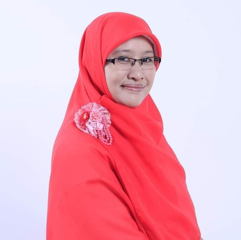 Naqiyyah Syam-Blogger