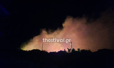 Θεσσαλονίκη : Μεγάλη φωτιά τώρα στην Νέα Ευκαρπία