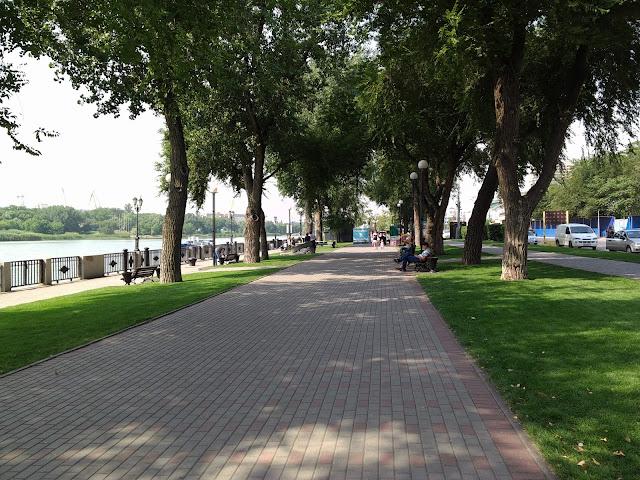 Ростов-на-Дону: городская набережная летом