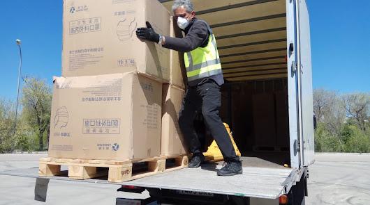 Transportes entrega las mascarillas de menor protección a los sanitarios