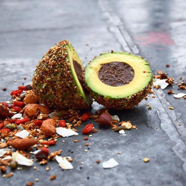 avocado-food-art-by-colette-dike-food-deco-2.jpg