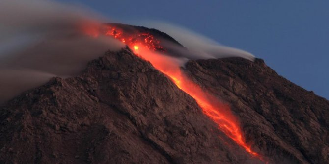 Lava melt Sinabung for Tourist attraction