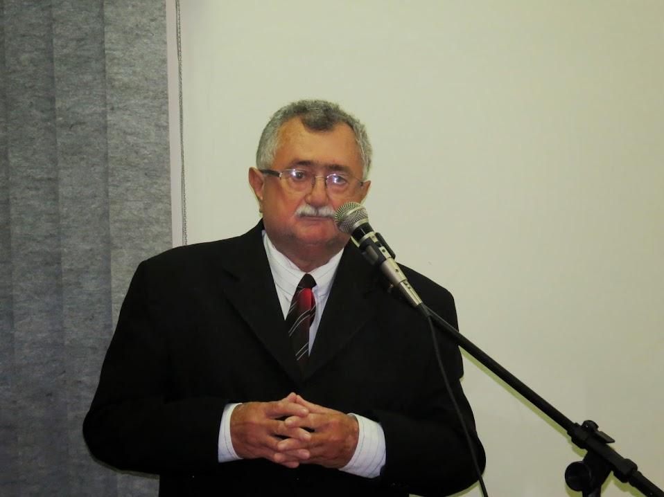 RECONHECIMENTO: O prefeito de Olho D´Água Franciso de Assis Carvalho que teve suas contas do ano de 2011 aprovadas pelo TCE (Tribunal de Contas do Estado). O prefeito informou que seu trabalho de zelar pelo bem público vai continuar.