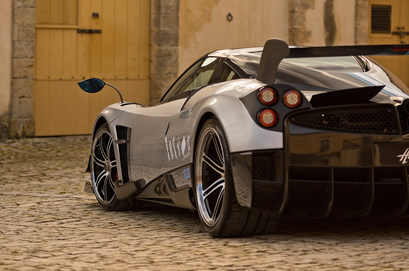 Pagani-Huayra-BC-rear-close